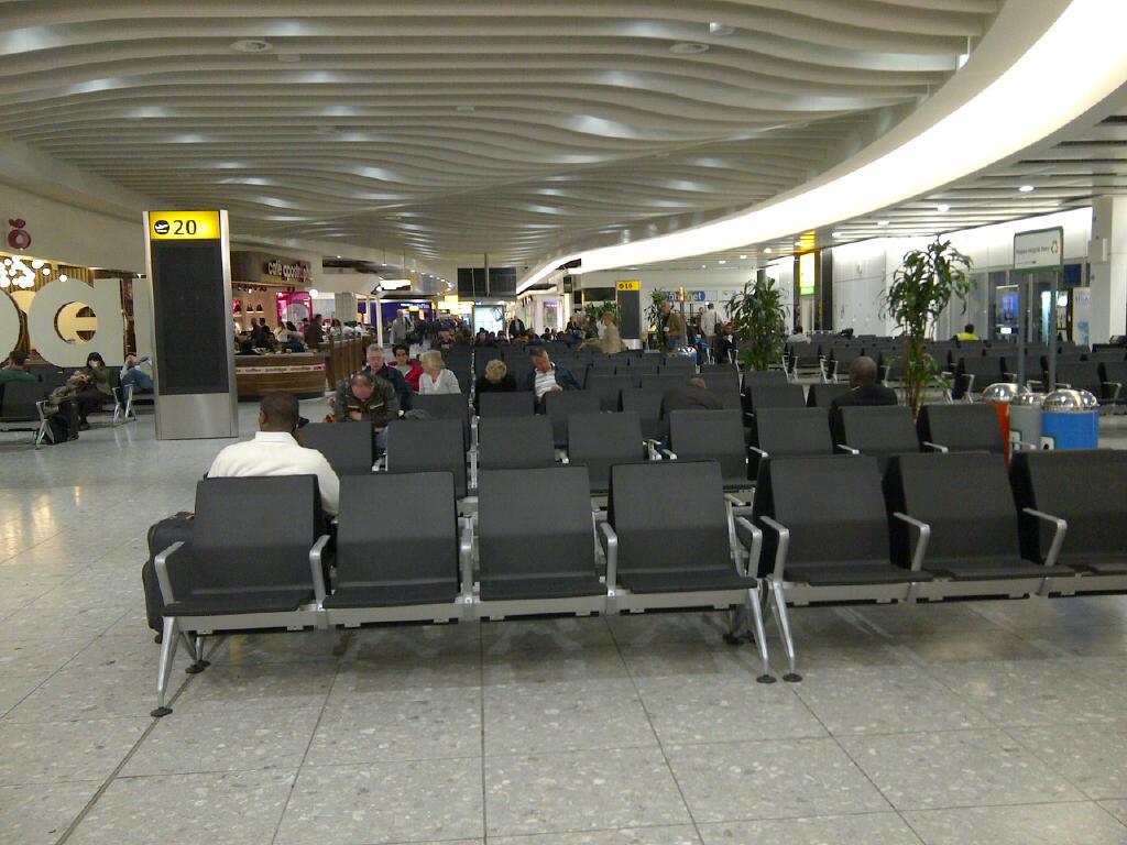 Gate 10 Terminal 4 Heathrow
